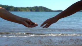 Acople a separação de suas mãos, divisão, crise nas relações, conceito do divórcio, término da história de amor, dissolução da fa filme
