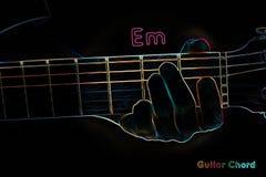 Acorde de la guitarra en un fondo oscuro stock de ilustración