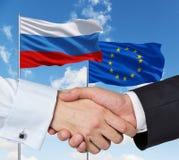 Acordo da UE e do russo Fotografia de Stock Royalty Free