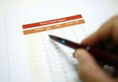 Acordo de vendas e lista de verificação fotografia de stock