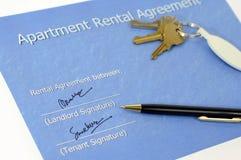Acordo rental assinado Imagens de Stock Royalty Free