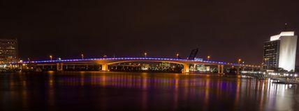 acosta桥梁fl杰克逊维尔晚上 库存照片