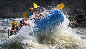 Acqua bianca che trasporta Ocoee con una zattera Fotografia Stock
