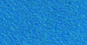 Acqua blu da uno stagno all'aperto, hotel a Funchal, isola Portogallo, movimento lento del Madera archivi video