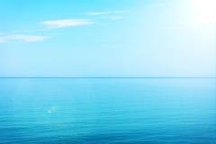 Acqua blu e cielo Fotografia Stock