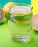 Acqua con il limone Fotografie Stock