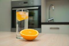 Acqua con l'arancio Immagine Stock Libera da Diritti