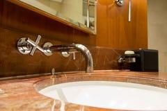 Acqua Crane Bathroom fotografia stock