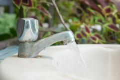 acqua dal rubinetto Fotografia Stock