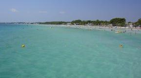 Acqua del turchese e spiaggia, Maiorca. Immagini Stock Libere da Diritti