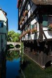 Acqua della Camera del cottage della Germania del punto di riferimento di Schiefes Haus Ulm dell'hotel Fotografia Stock