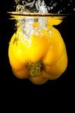 Acqua della spruzzata della frutta del capsico Immagine Stock Libera da Diritti