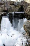 Acqua di caduta congelata Immagine Stock Libera da Diritti