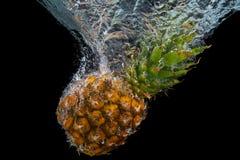 Acqua di caduta dell'ananas Fotografie Stock