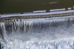 Acqua di caduta Parte superiore Fotografie Stock