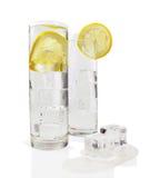 Acqua di ghiaccio con il limone Immagine Stock