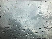 Acqua di goccia su vetro Fotografie Stock