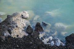 Acqua di portata dei minerali Fotografie Stock Libere da Diritti