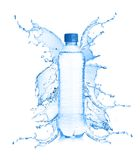 Acqua dolce che spruzza dalla bottiglia Fotografia Stock Libera da Diritti