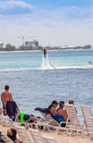 Acqua Jet Pack sul caimano Isalnds Immagine Stock Libera da Diritti