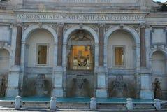 ` Acqua Paola, Markstein, Geschichte des klassischen Altertums, Gebäude, klassische Architektur Fontana-engen Tals Lizenzfreie Stockfotos