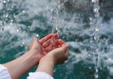 Acqua potabile & acqua naturale Fotografie Stock Libere da Diritti