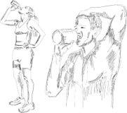 Acqua potabile atletica del ragazzo e della ragazza dopo i exercis Immagini Stock Libere da Diritti