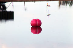 Acqua rossa Bouy Fotografia Stock