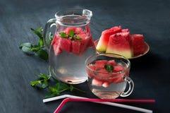 Acqua sana con l'anguria e la menta Fotografia Stock Libera da Diritti