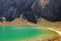Acqua verde del lago Immagine Stock