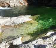 Acqua verde smeraldo Fotografie Stock Libere da Diritti
