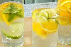 acqua Vitamina-fortificata Fotografie Stock
