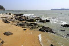Acquacoltura vicino alla spiaggia sabbiosa Fotografia Stock