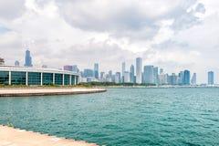 Acquario di Chicagos Shedd con il lago Michigan e l'orizzonte immagini stock libere da diritti