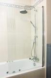 Acquazzone in stanza da bagno Fotografia Stock Libera da Diritti