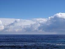 Acque basse dell'oceano del lato di sopravvento di Oahu Fotografia Stock