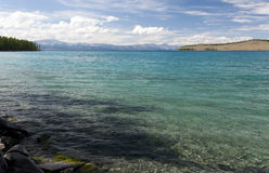 Acque del turchese del lago Khovsgol Immagine Stock Libera da Diritti
