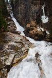 Acque di volo della cascata in cattivo Gastein, Austria Fotografia Stock