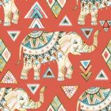 Acquerello decorato indiano dell'elefante con il modello senza cuciture degli elementi tribali Immagini Stock Libere da Diritti