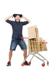 Acquisto dell'uomo con il carretto del canestro del supermercato Immagini Stock