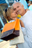 Acquisto della moglie e del marito immagine stock