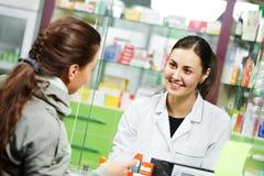 Acquisto medico della droga della farmacia Fotografia Stock