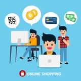 Acquisto online sul computer, sul computer portatile e sul cellulare con il codice di QR, bitcoin, carta di credito, soldi Fotografia Stock