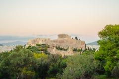 Acrópole com Partenon, opinião do por do sol Atenas, Gr?cia foto de stock