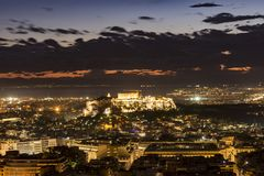 Acrópole de Atenas na noite Fotografia de Stock