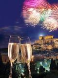 Acrópolis con el fuego artificial, celebración del Año Nuevo en Atenas, Grecia Fotos de archivo libres de regalías
