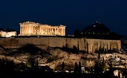 Acrópolis en la noche Fotos de archivo