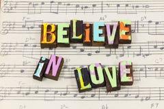 Acredite a fonte de inquietação da tipografia da bondade da parte da opinião da esperança da fé do amor fotos de stock royalty free
