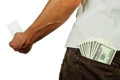 Acredite la comparación de la tarjeta y del efectivo (del debe) Fotografía de archivo libre de regalías