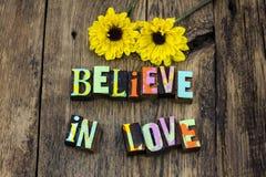 Acredite o amor espera que a vida romance mágica aprecia foto de stock royalty free